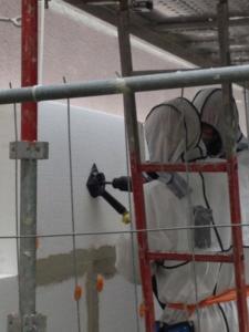 Depuis 2015, Spebi couple l'encapsulage de l'amiante et la rénovation thermique des façades, une alternative plus économique que le désamiantage classique.