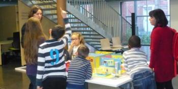 Le projet Scol'air mis en place par la Ville de Lille a pour objectif de sensibiliser enfants, enseignants et intervenants dans ces milieux à la qualité de l'air intérieur.  Crédits photo : Ville de Lille