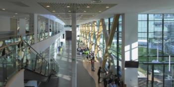 Les cinq sites Schneider Electric Grenoble ont reçu le deuxième grand prix or dans la catégorie «Economie d'énergie» ainsi que les médailles or et argent dans la catégorie «bâtiments de bureaux non certifiés de surface supérieure à 12 000 m2» pour les sites PLM et S2.