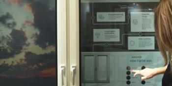 """La """"Smart Window"""" combine les attributs classiques d'une fenêtre et les caractéristiques d'une tablette tactile."""